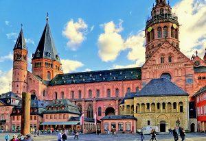 Oppenheim und Mainz: zwei bedeutende mittelalterliche Städte